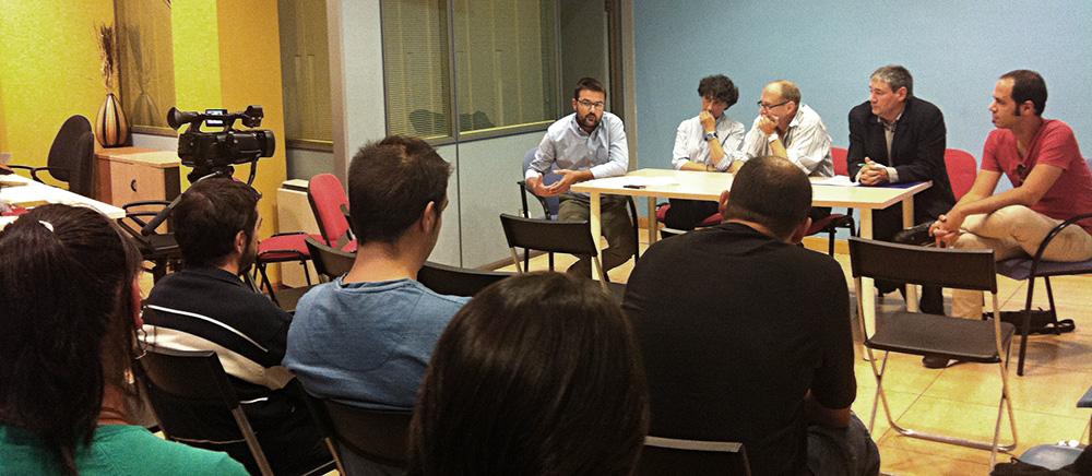 @edumunilla expone a los asistentes su experiencia en versoria.tv